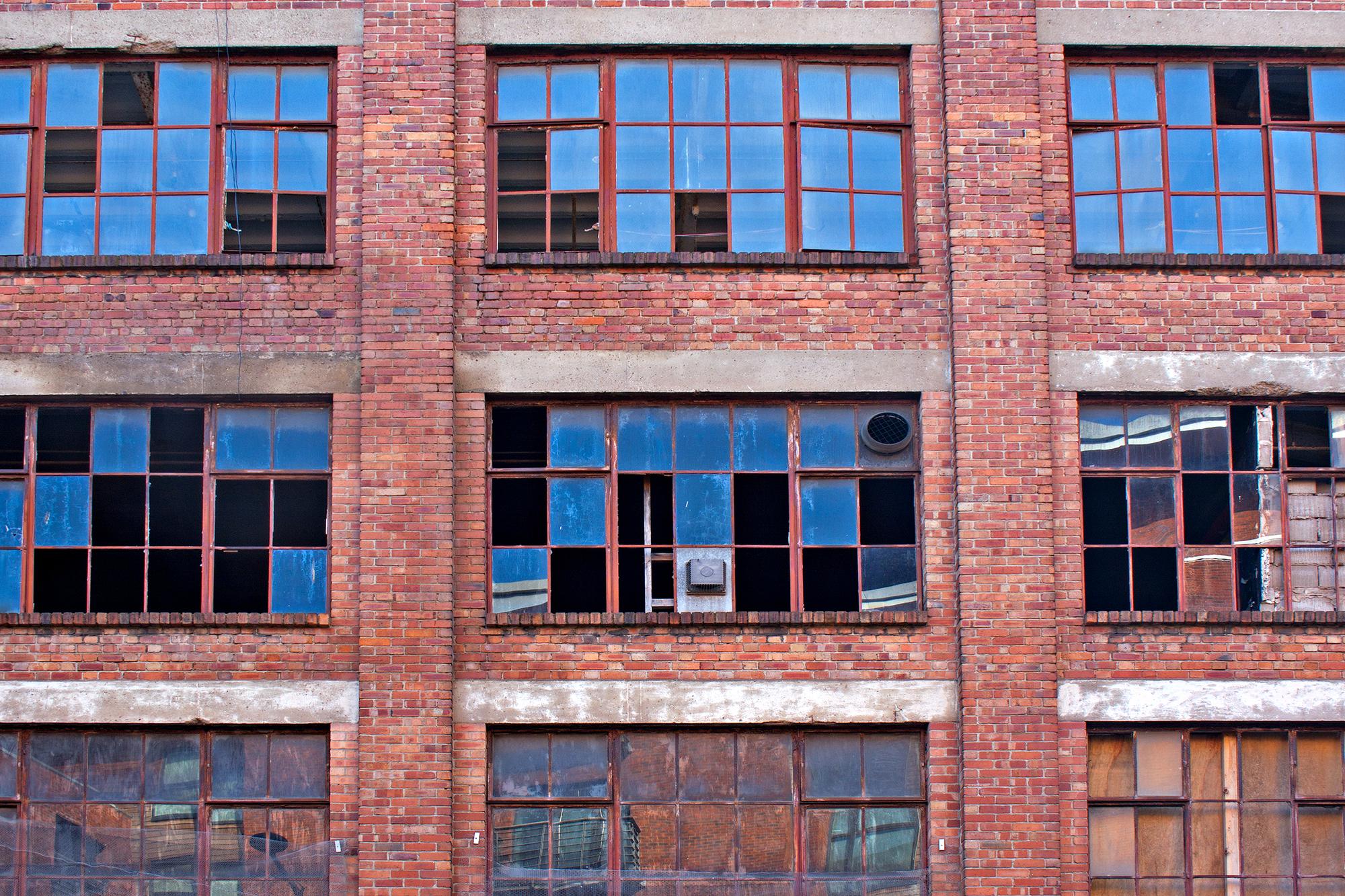 Broken Feature Manufactured Homes Websites